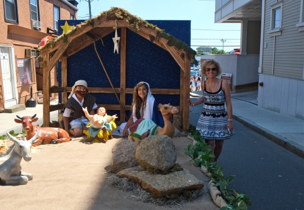 SAINT PETER'S FIESTA 2016 GLOUCESTER PROCESSION Kathy Numerosi Nativity float -2 copyright Kim Smith