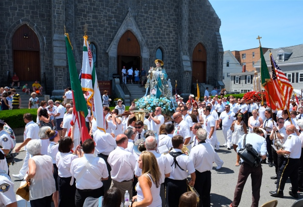 SAINT PETER'S FIESTA 2016 GLOUCESTER PROCESSION St. Ann's Church copyright Kim Smith