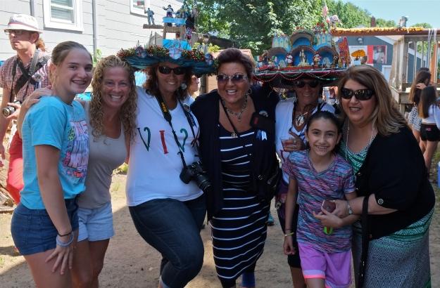 Fiesta Hat ladies copyright Kim Smith
